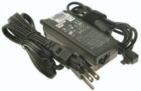 Power supply for notebook Compaq Armada 3500 (model series PP2012), p/n: 310413-001, input: AC 100-240V 1.0A 50-60Hz, output: 15V-4.5A 36W (блок питания для портативного компьютера)